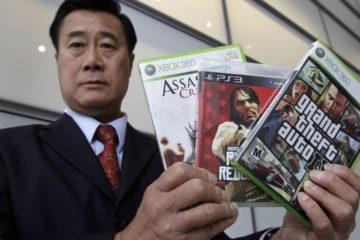 Senator who blamed video games for violence jailed for weapon smuggling and corruption